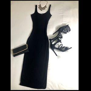 Sleeveless Midi Scoop Neckline Dress
